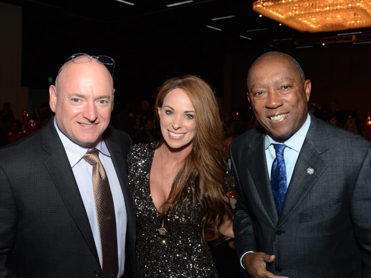 Houston, Crime Stoppers of Houston gala, Nov. 2016, Scott Kelly, Amiko Kauderer, Mayor Sylvester Turner