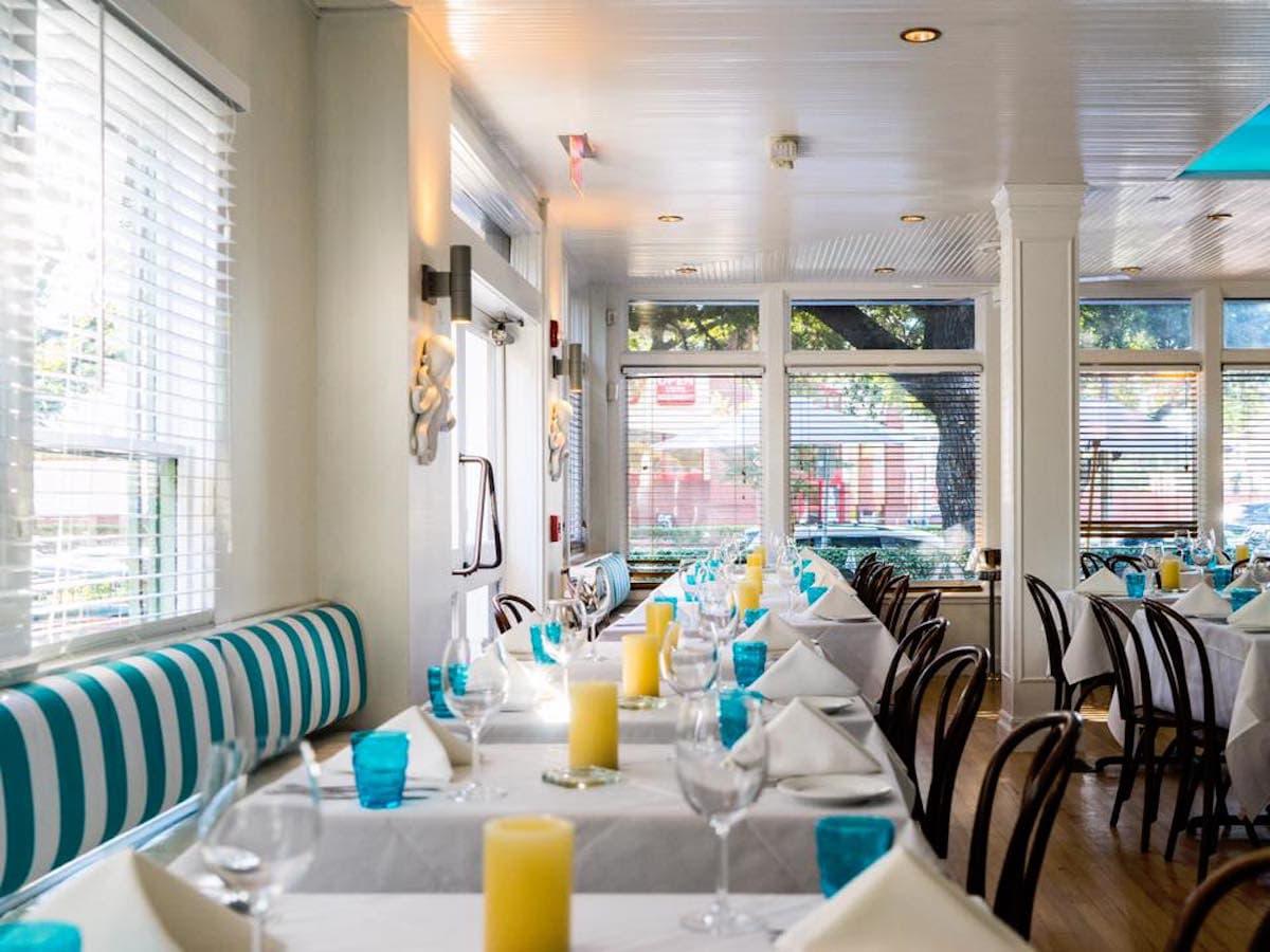 Cafe Azur interior