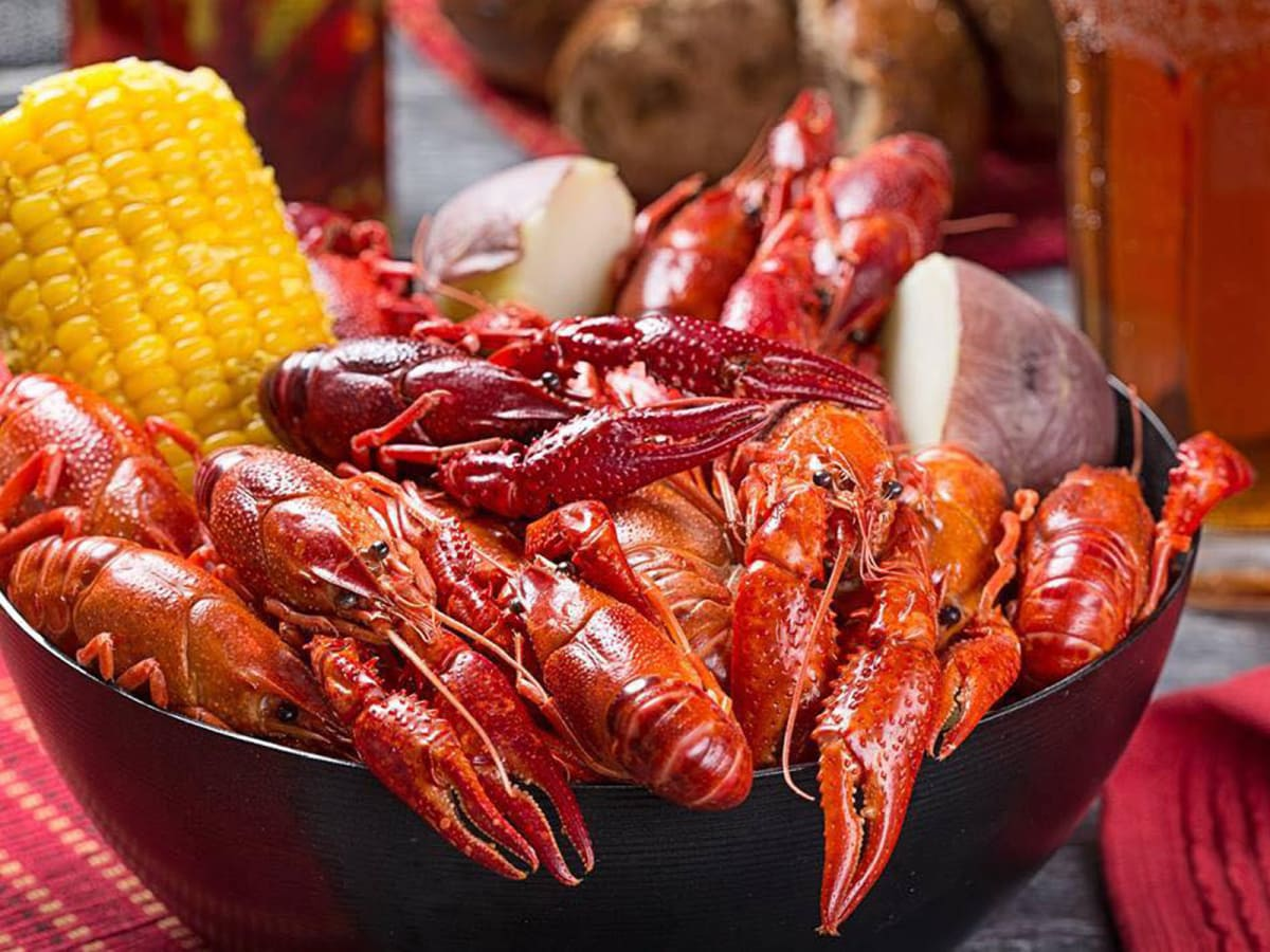 Hank's Crawfish mudbugs corn potatoes March 2015