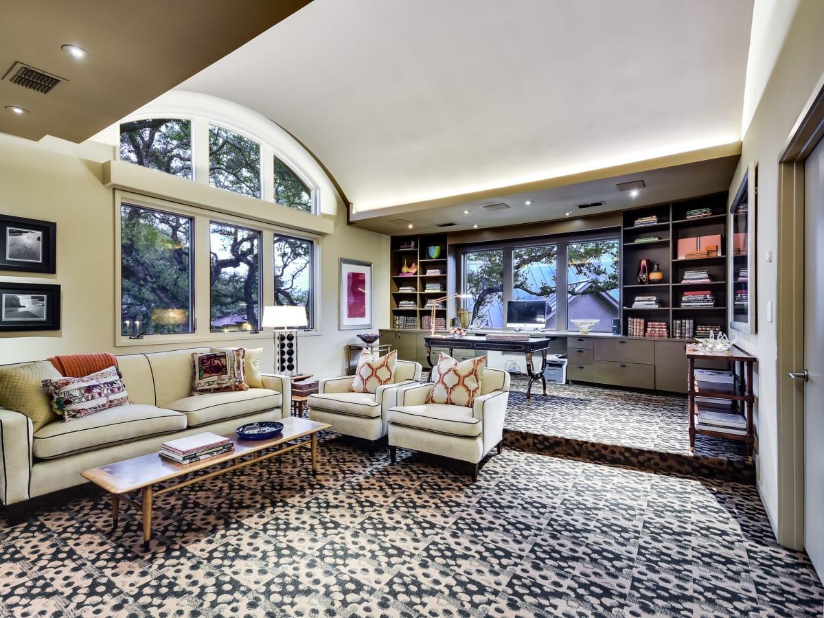 23 Oak Hill San Antonio house for sale living room