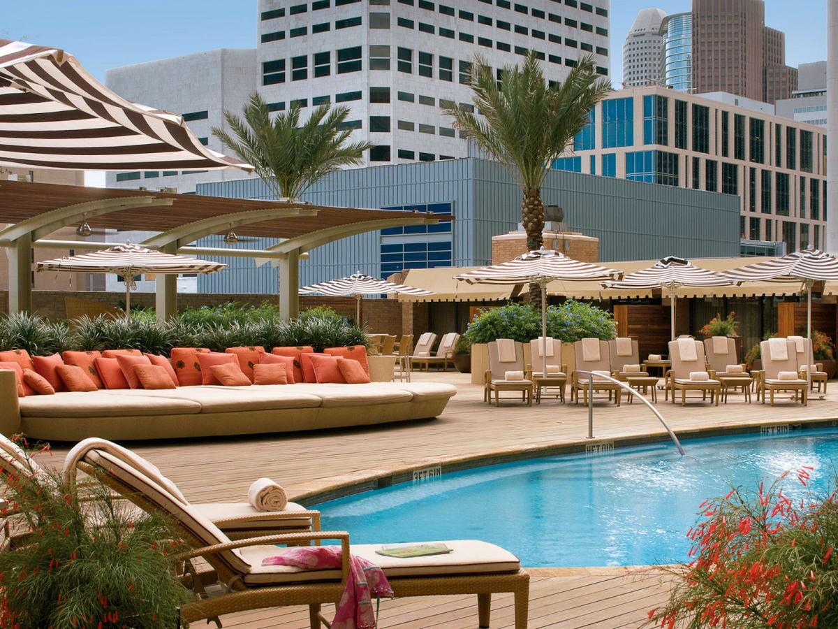 News_Hotel pools_Four Seasons_pool