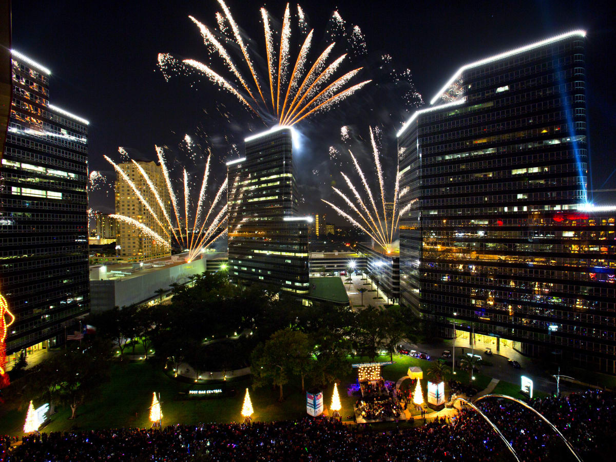29th Annual Uptown Houston Holiday Lighting