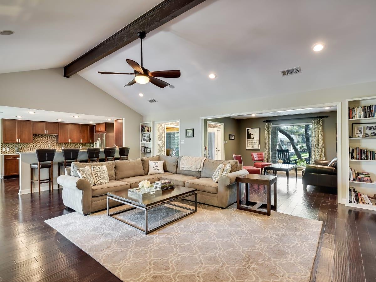3914 Glengarry Dr Austin house for sale family room