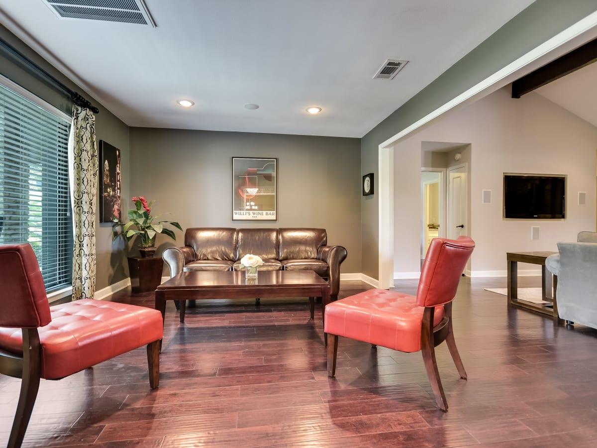 3914 Glengarry Dr Austin house for sale living room