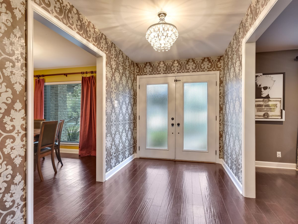 3914 Glengarry Dr Austin house for sale entryway