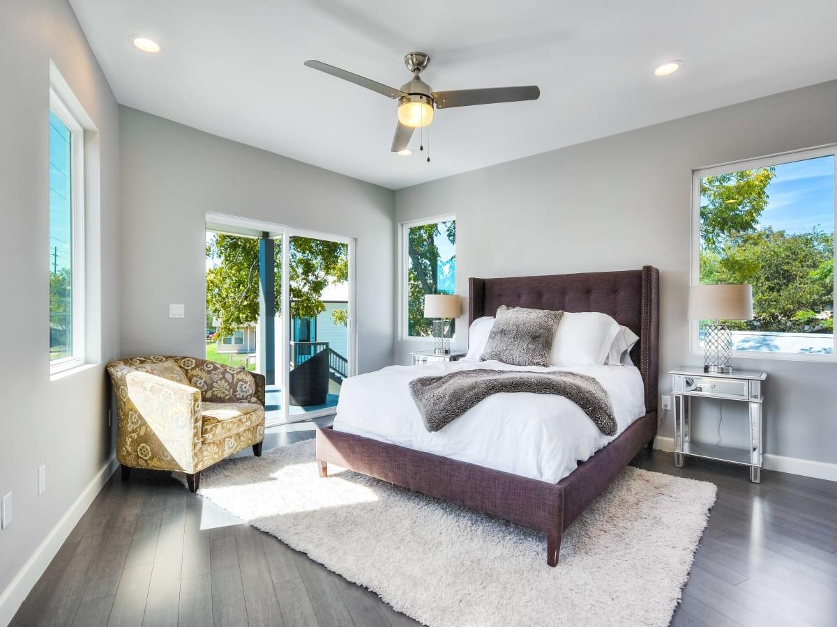 2406 E 16th St Austin house for sale master bedroom