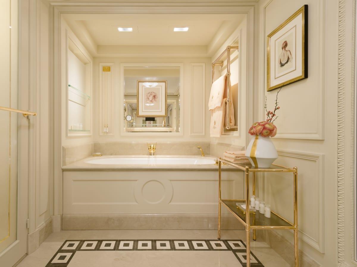 Ritz Hotel Paris, June 2016 guest room