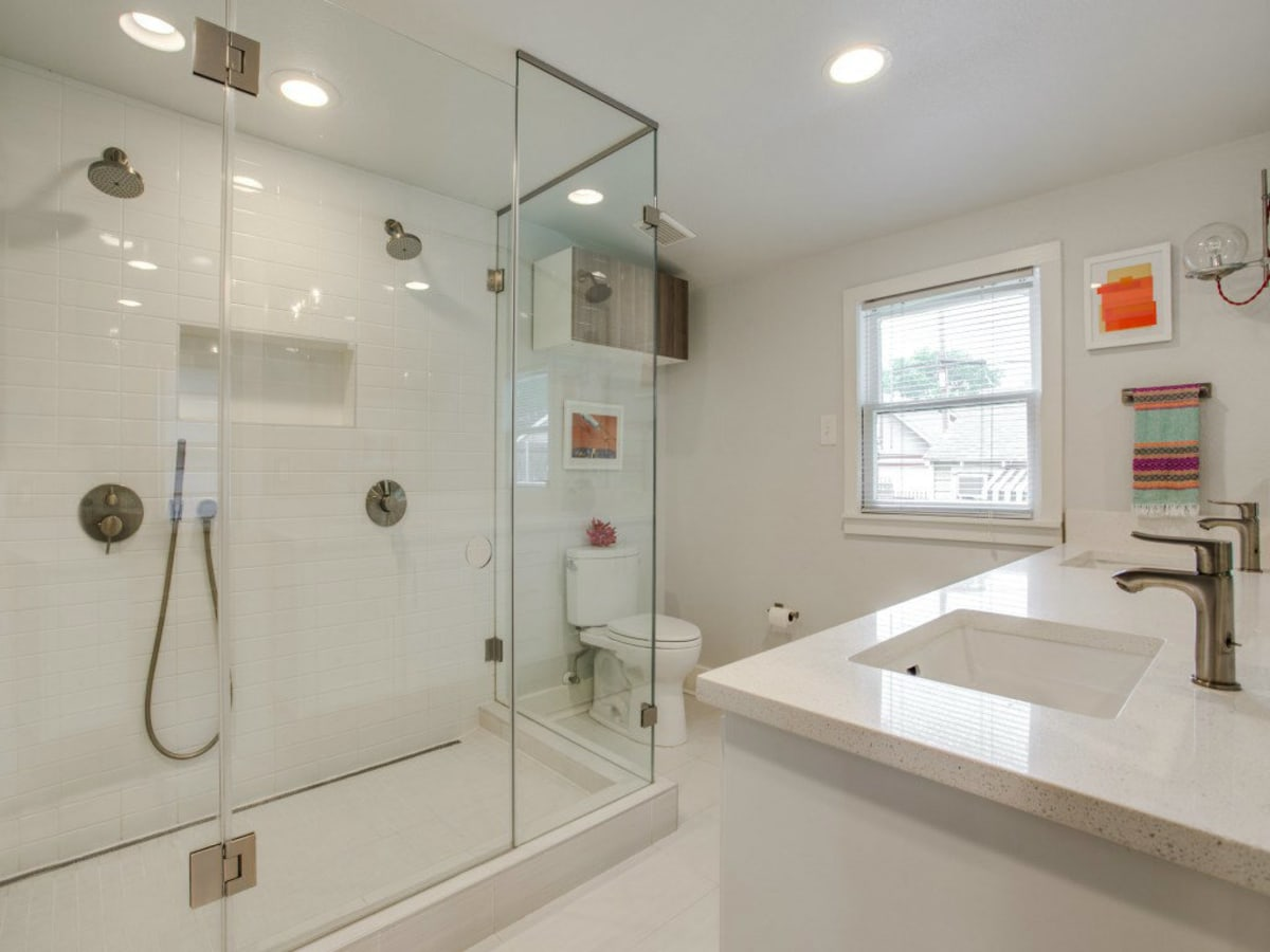 110 North Edgefield Master Bathroom