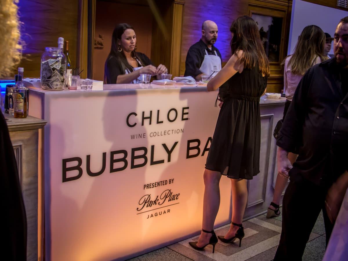 Chloe Bubbly Bar