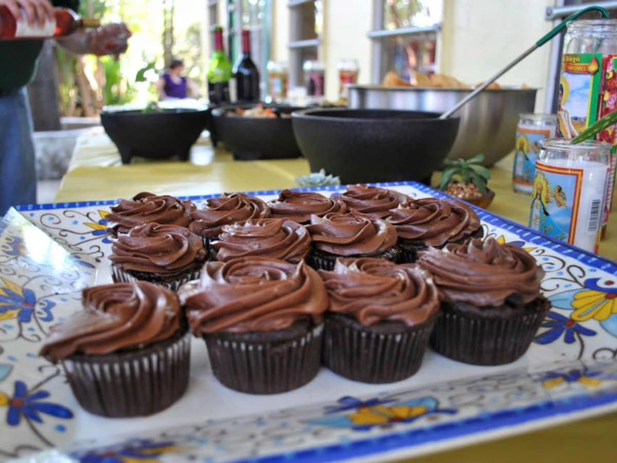 Viva Vegeria vegan chocolate cupcakes