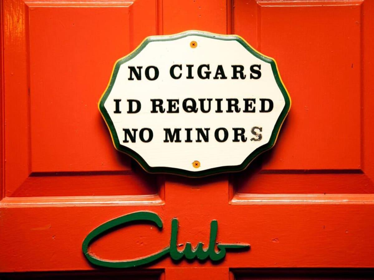 El Patio Club No Minors