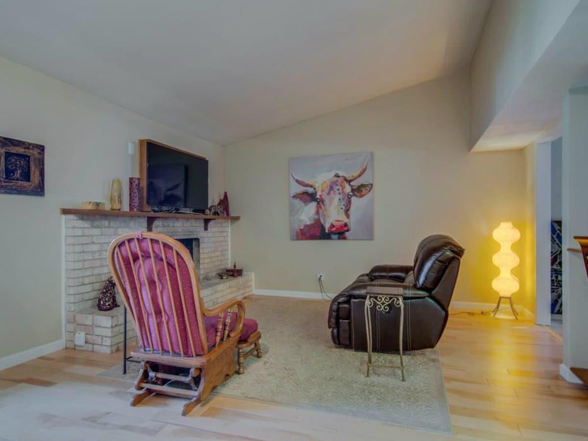 3065 Kinkaid Dr. family room in Dallas