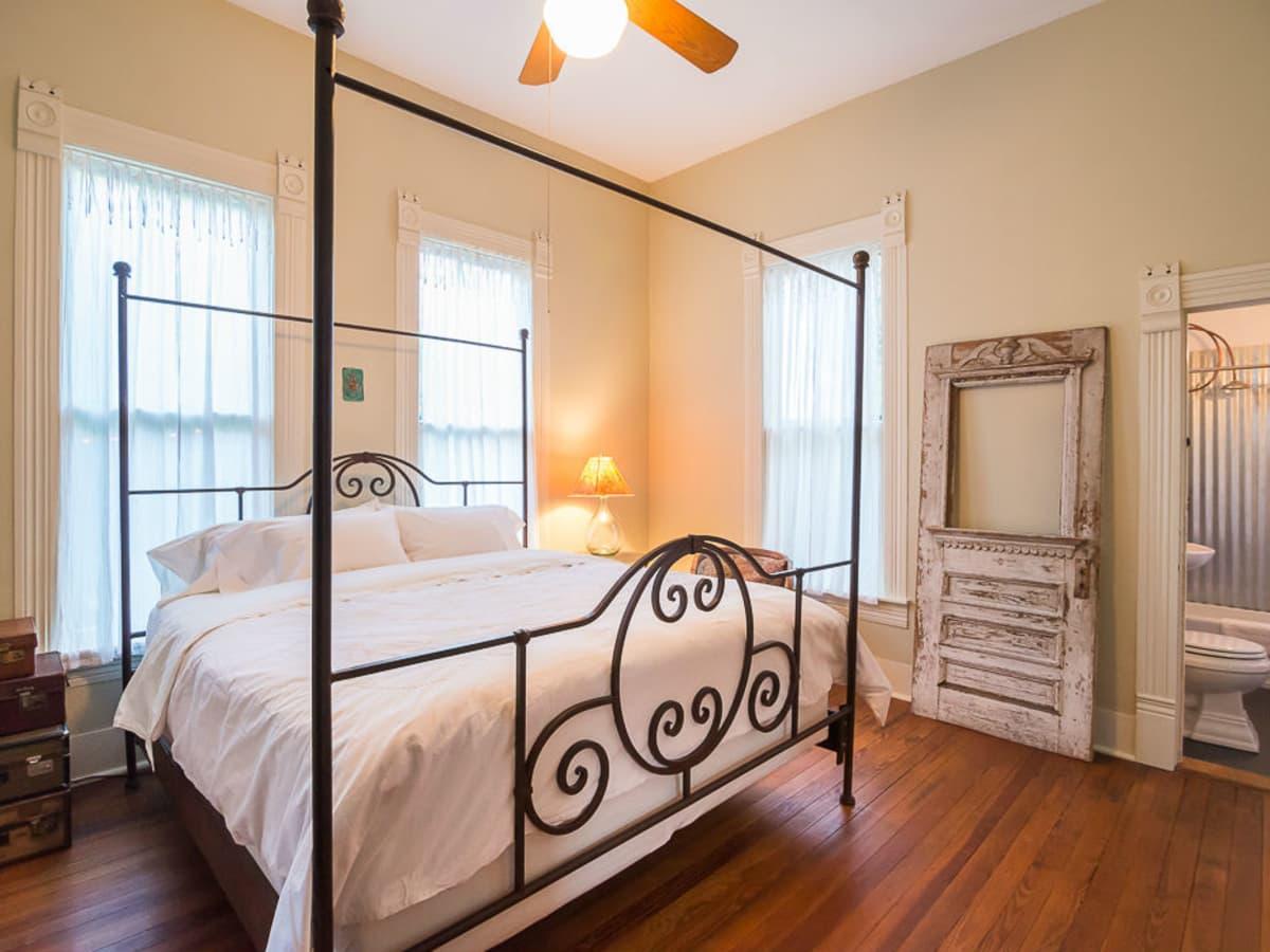1011 E. Eighth St. Bedroom