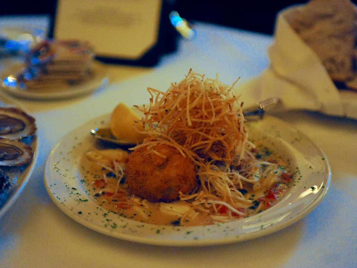 Pappas Bros Steakhouse downtown crab cake