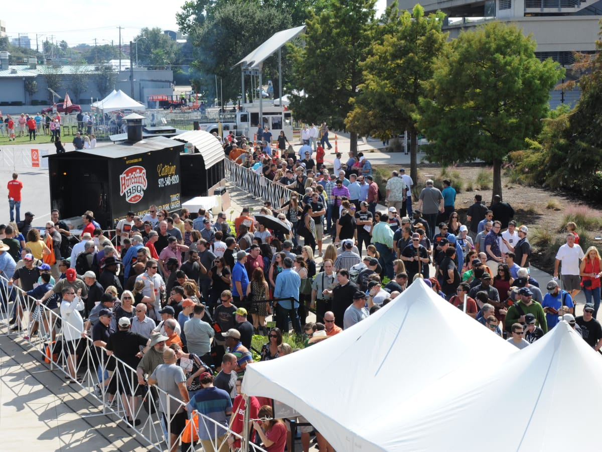 Texas Monthly BBQ Fest 2015 crowd