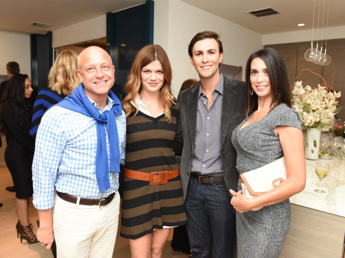 Wilshire Meets the Neighbors Bob Mitchell, Lauren Parsons, Matt Vandever, Jessica Meyer