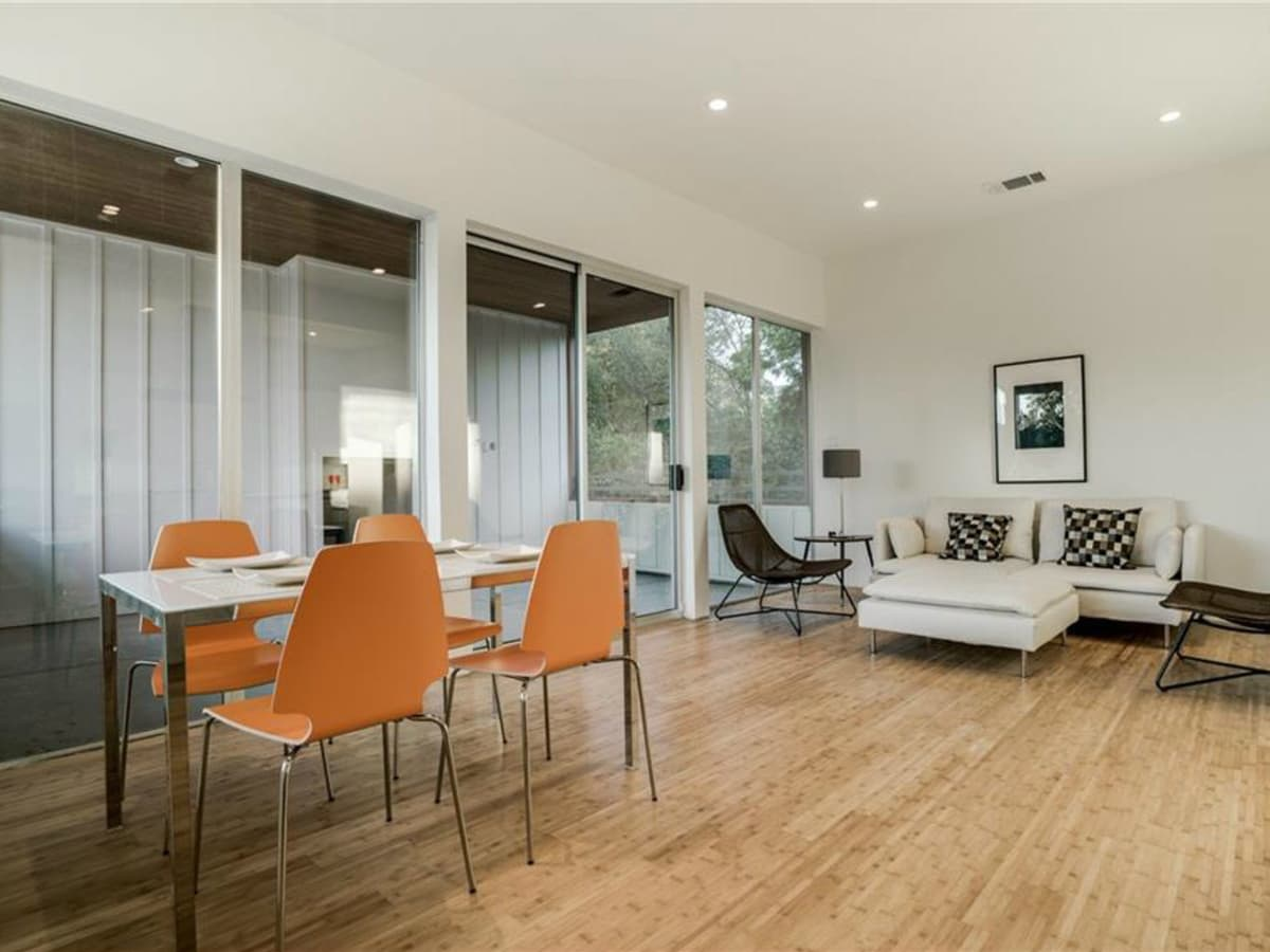 Living and dining room at 4401 Roseland Ave. Unit B in Dallas