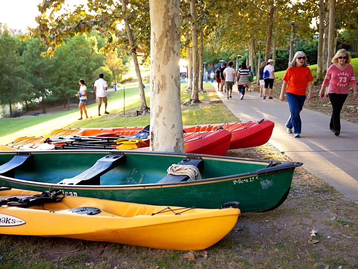 News, Shelby, Buffalo Bayou Park opening, Oct. 2015, canoes