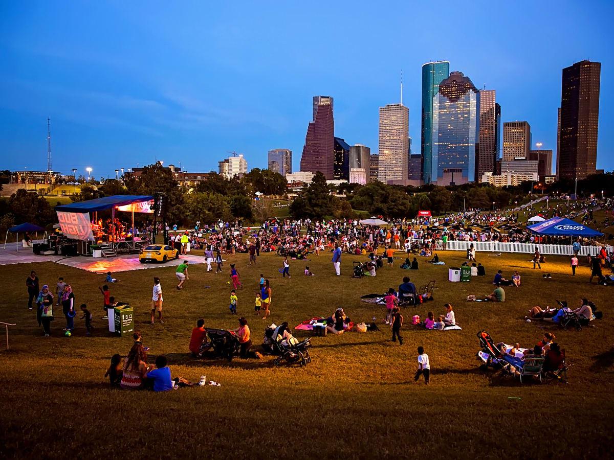 News, Shelby, Buffalo Bayou Park opening, Oct. 2015, Eleanor Tinsley park
