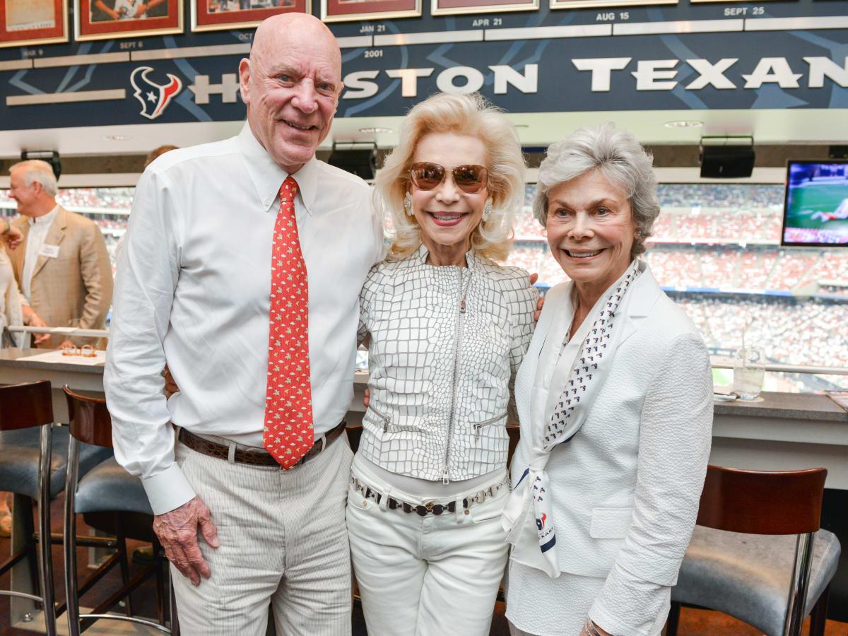 News, Shelby, Texans Owners suite, Sept. 2015, Bob McNair, Lynn Wyatt, Janice McNair