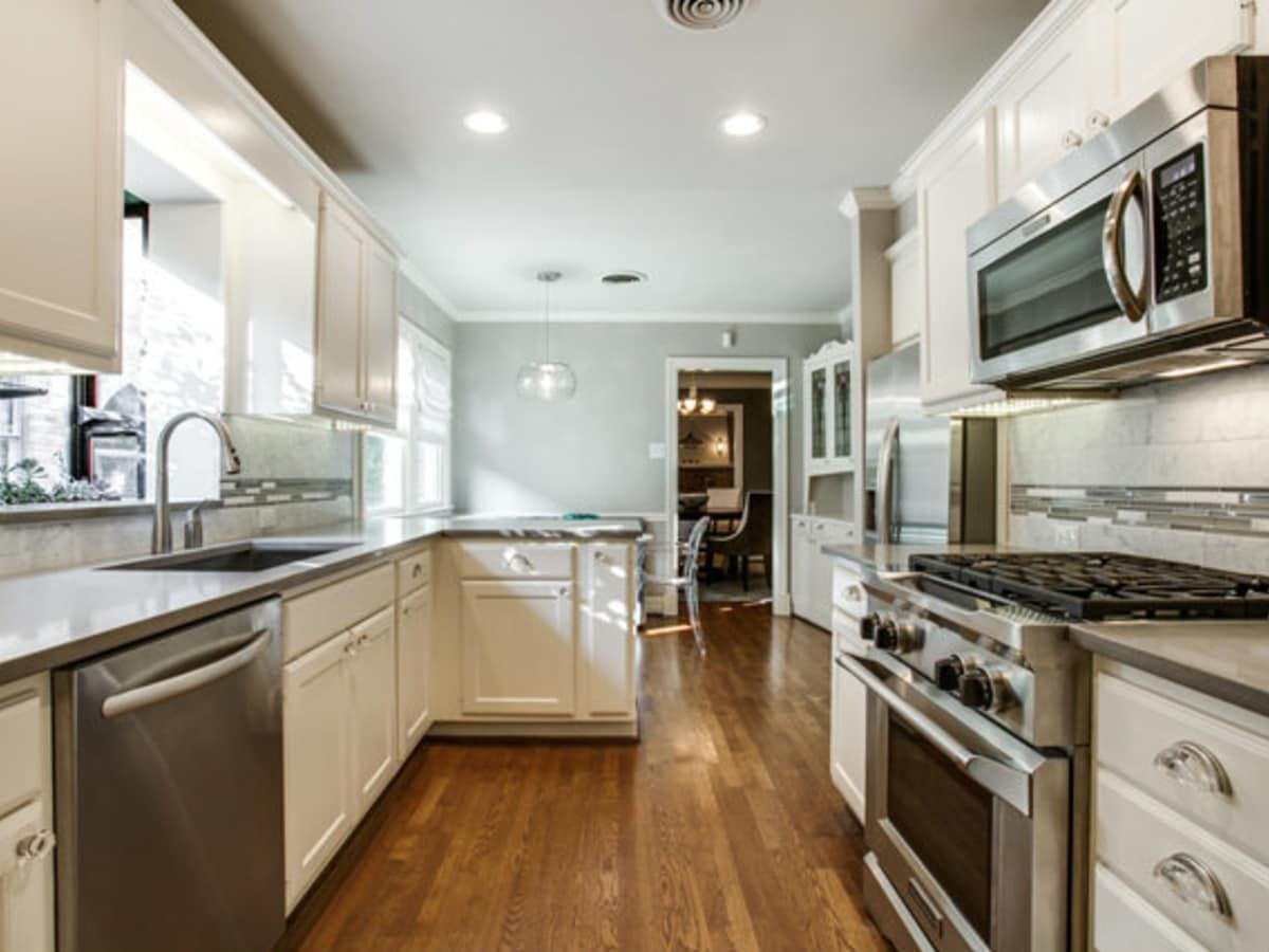 Kitchen at 811 Monte Vista Dr. in Dallas