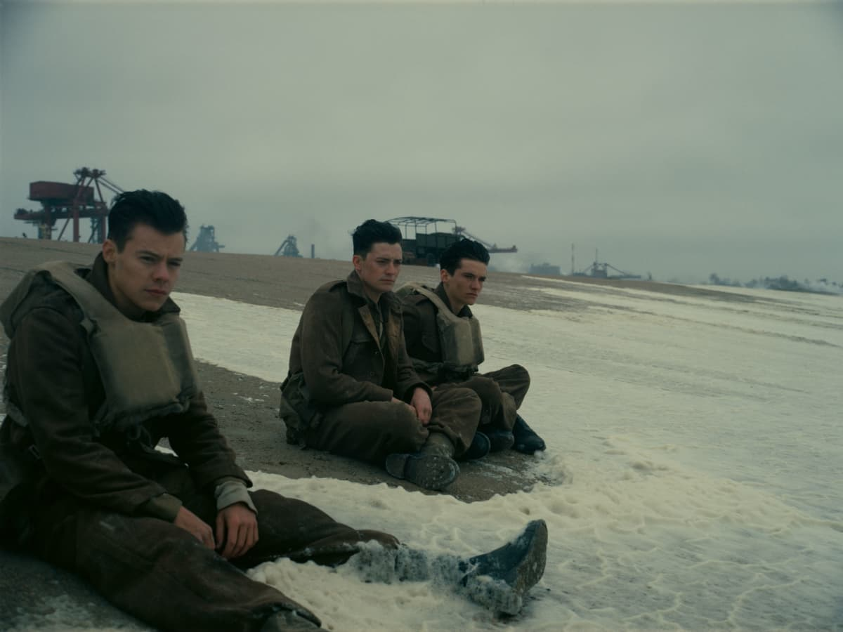 Harry Styles, Aneurin Barnard, and Fionn Whitehead in Dunkirk