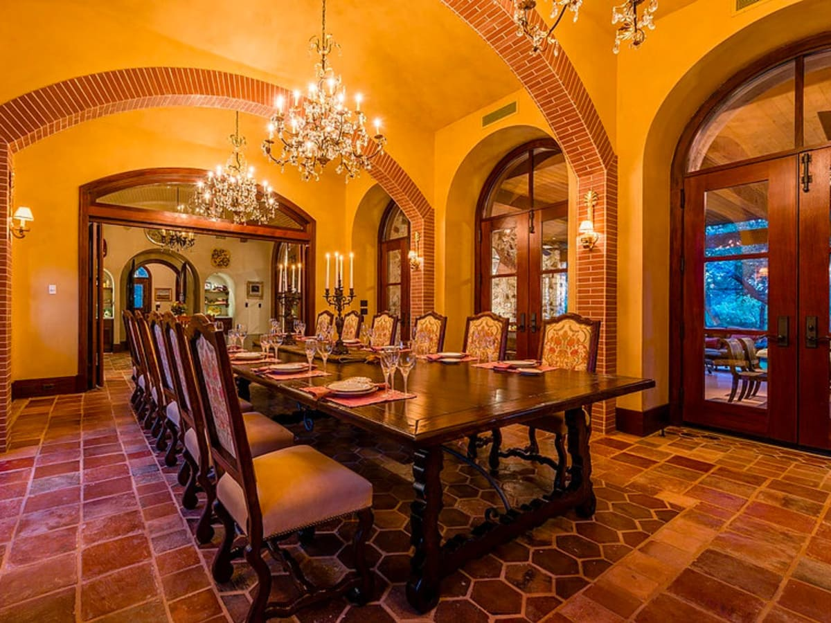 Mandola's estate in Austin dining room
