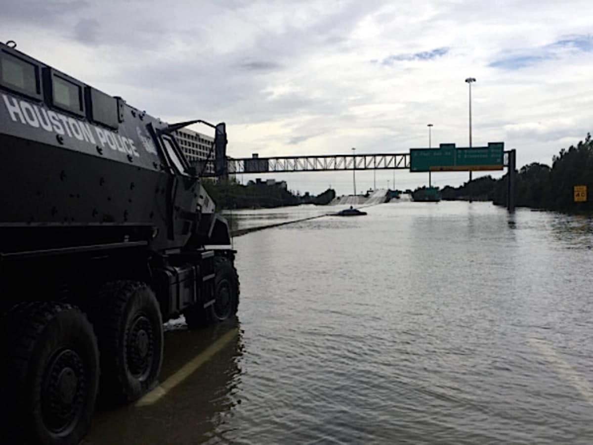 Houston, Hurricane Harvey, flood photos, HPD rescue