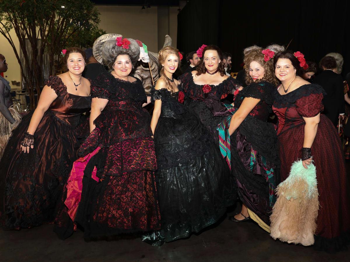 La Traviata chorus at Houston Grand Opera opening night