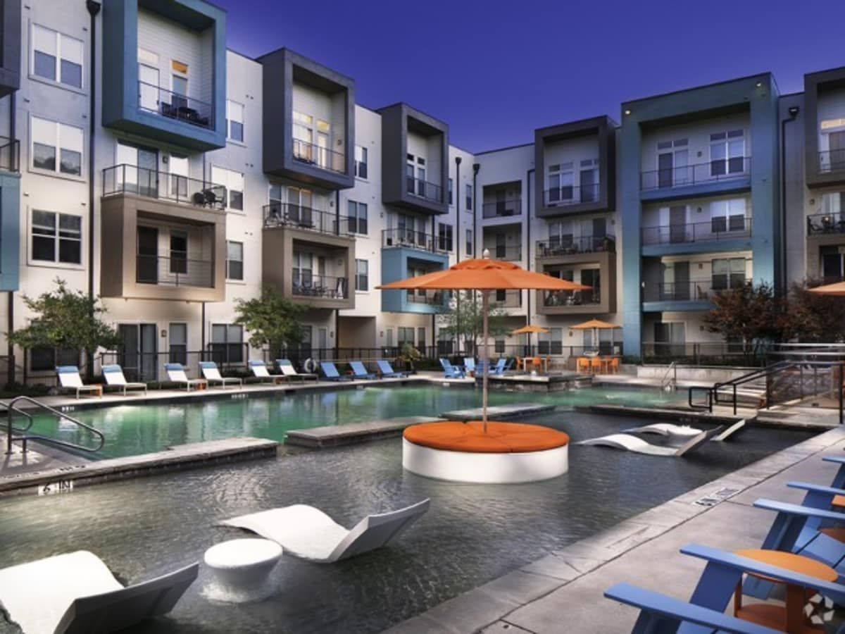 Dallas apartment building