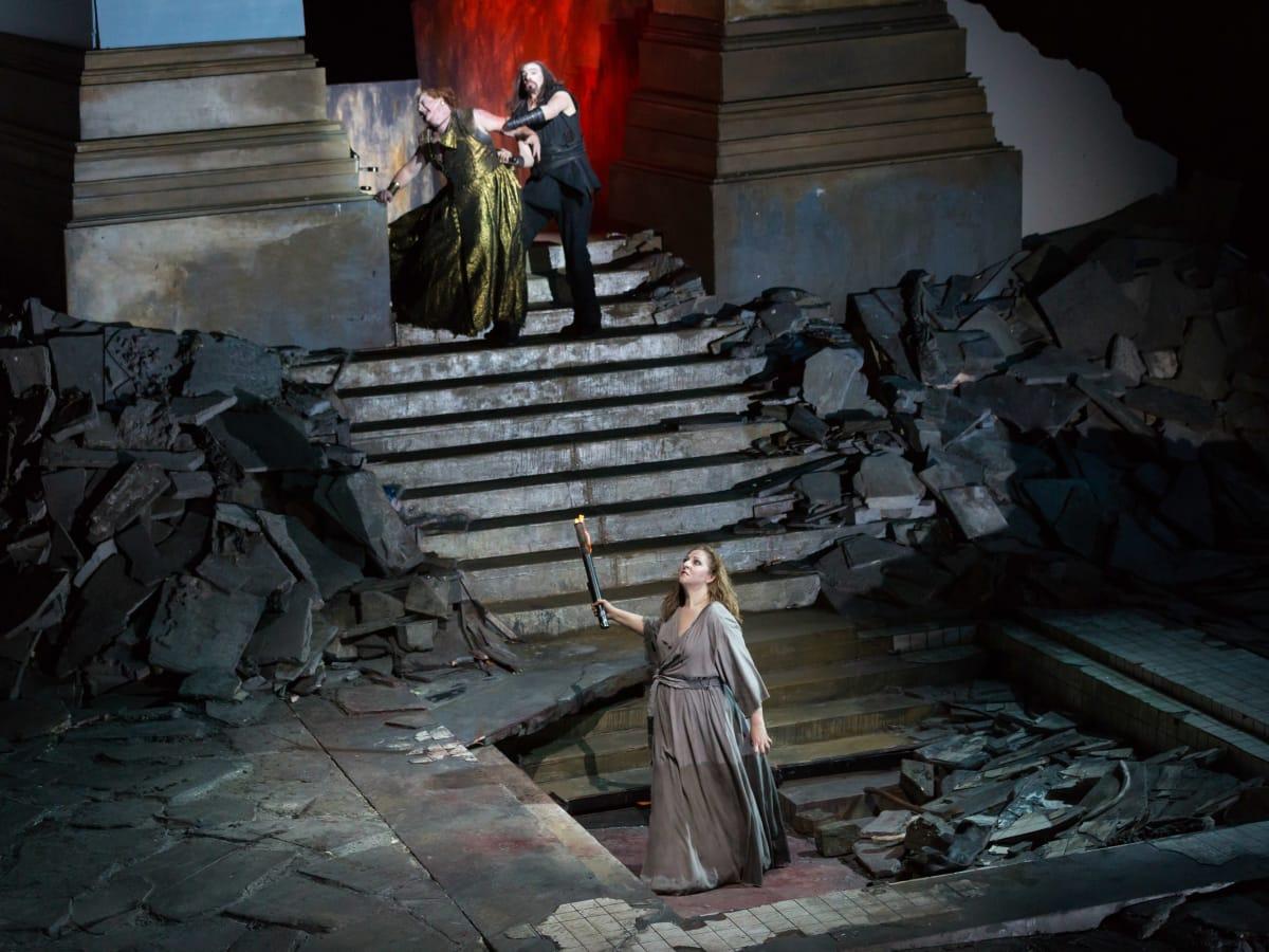 Houston Grand Opera Elektra Christine Goerke