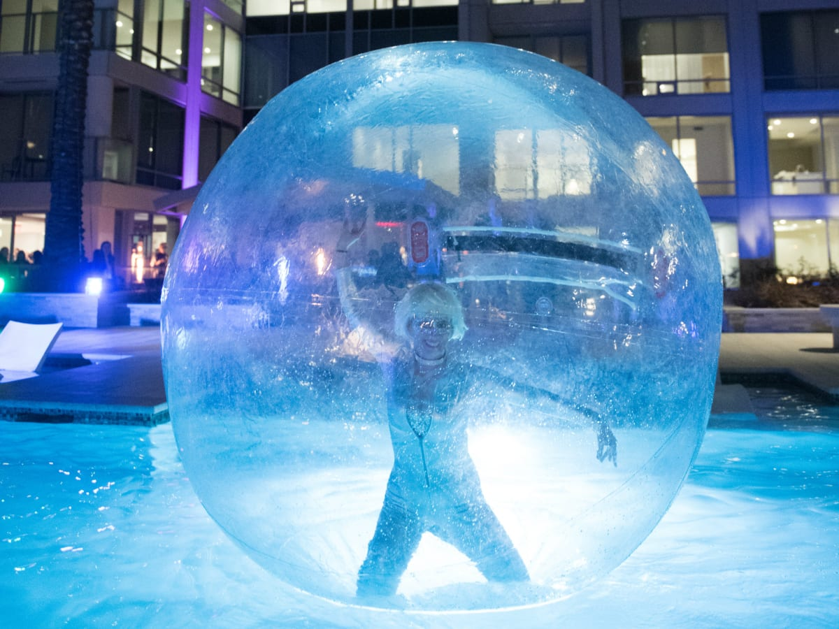 The Wilshire girl in bubble