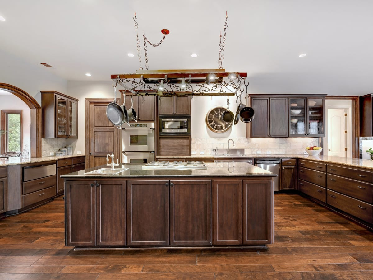 APRE home trends Woodview dark cabinets