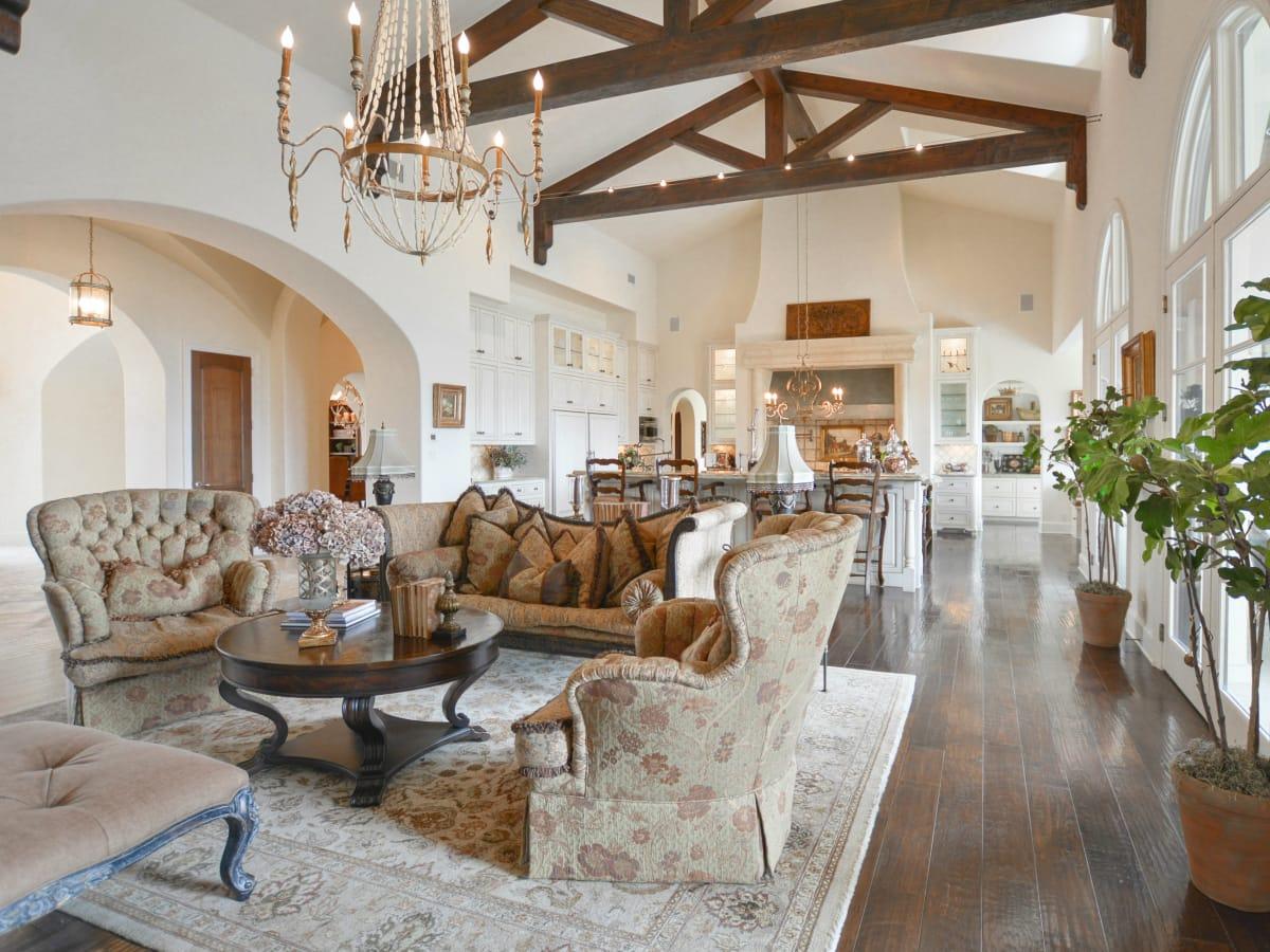 Spanish Oaks estate