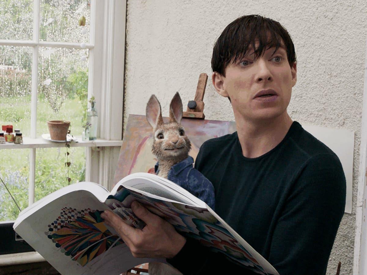 Peter Rabbit (James Corden) and Domhnall Gleeson in Peter Rabbit