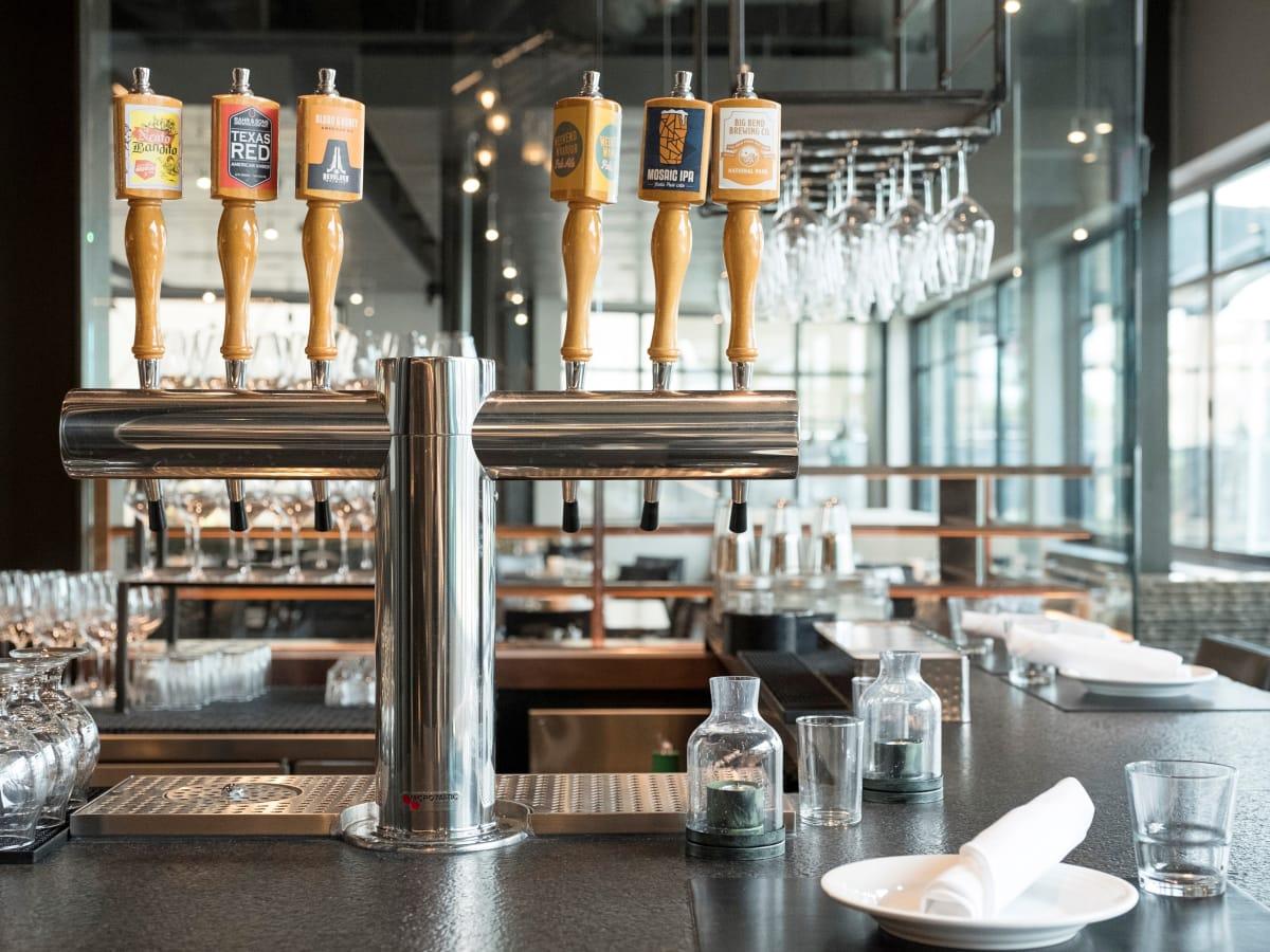 Pinstripes Fort Worth Bar