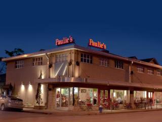 Paulie's, restaurant, exterior night