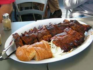 Dallas Bites! presents Dallas' Best BBQ and Brewery Food Tour