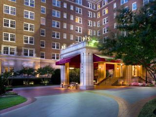 Warwick Melrose Hotel in Dallas