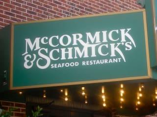 News_McCormick & Schmick's_restaurant_sign