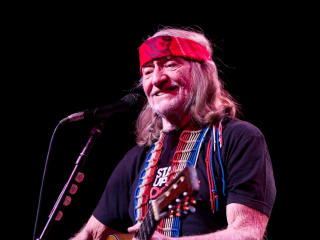 News_Willie Nelson_smiling