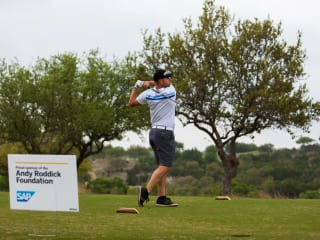 golfer playing in Andy Roddick Foundation golf classic