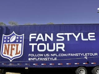 "NFL Fan Style Tour with Dayarlo Jamal ""D.J."" Swearinger and Ted Johnson"