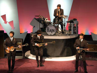 News_Rain_A Tribute to the Beatles_on stage