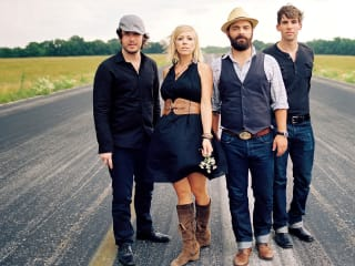 Drew Holcomb and the Neighbors in concert with Humming House