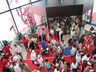 News_Houston Public Library_crowd