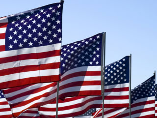 News_Memorial Day_flags