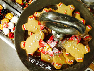 Phoenicia Specialty Foods presents Holiday Brunch with Santa
