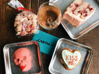 Pretty in Pink Valentine's Day Party + Kendra Scott Giveaway