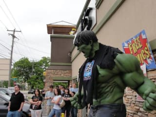 Austin Photo: Places_shopping_austin_books_and_comics_hulk